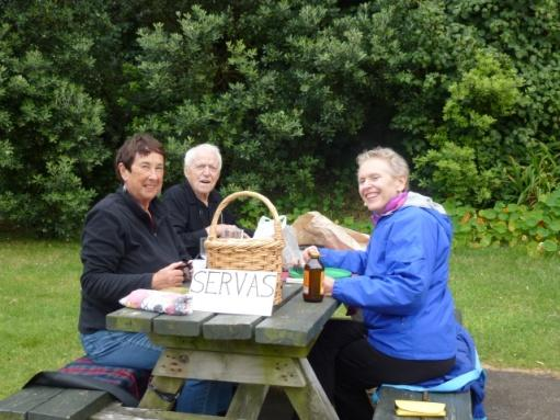 Servas Picnic Kiwi-Style with Leo & Roz